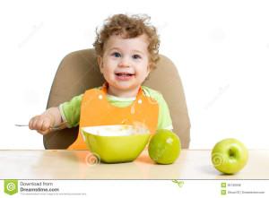 am pus o poza cu bebe si fructe, deoarece mi mila de copiii indopati cu ciocolata doar pentru poza sau vizualizari pe youtube