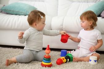 jucarii-necesare-pentru-un-copil-de-1-an