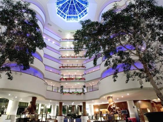 hotel-de-lux-in-Wales